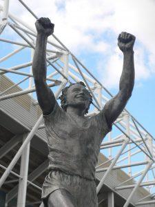 Billy_Bremner statue